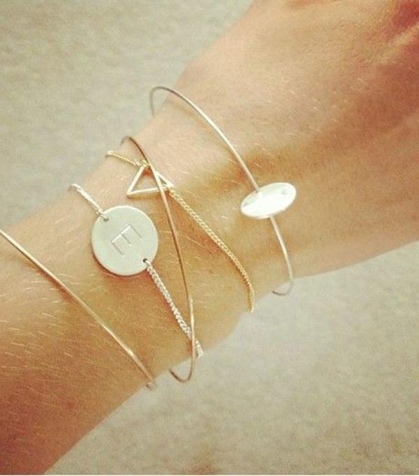 bijoux-avec-lettres-gravés