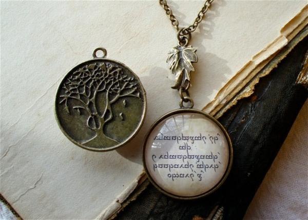 bijoux-elfiques-collier-avec-pendentif