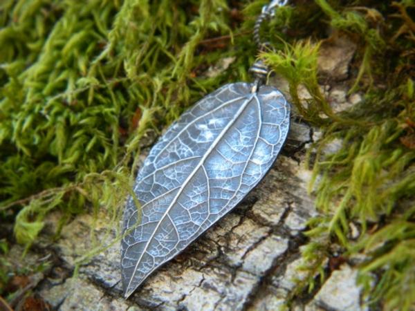 bijoux-elfiques-pendentif-feuille-réalistique
