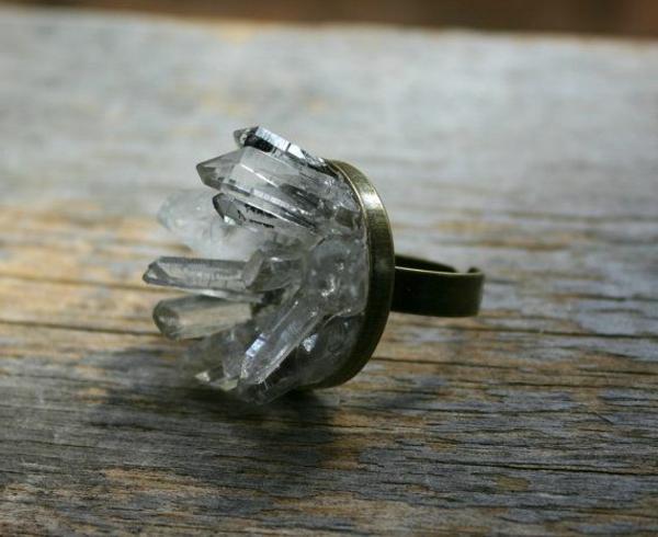 bijoux-elfiques-un-cercle-imitant-la-glace