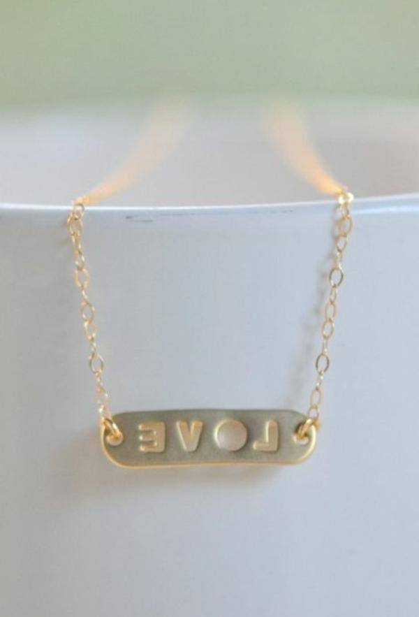 bijoux-gravés-cadeau-amour