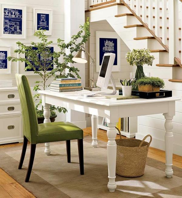 bureau-moderne-blanc-escalier-déco-verte-et-une-chaise-verte