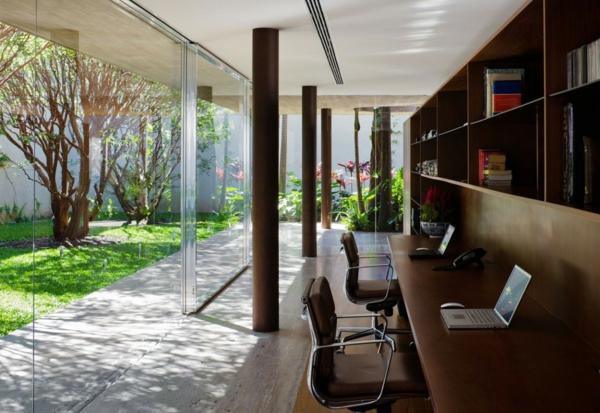 bureau-moderne-espace-de-travail-original-dans-une-maison-moderne