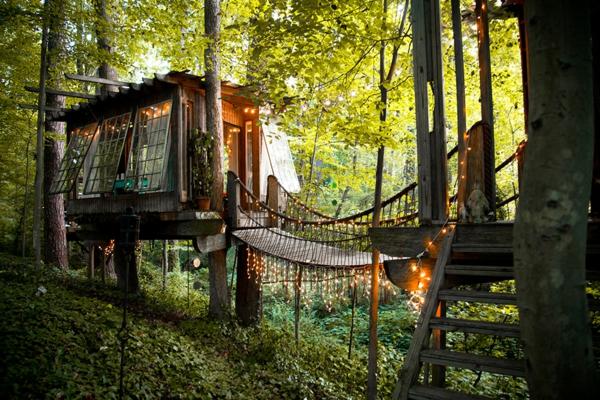 cabanes-dans-les-arbres-des-cabanes-et-des-ponts