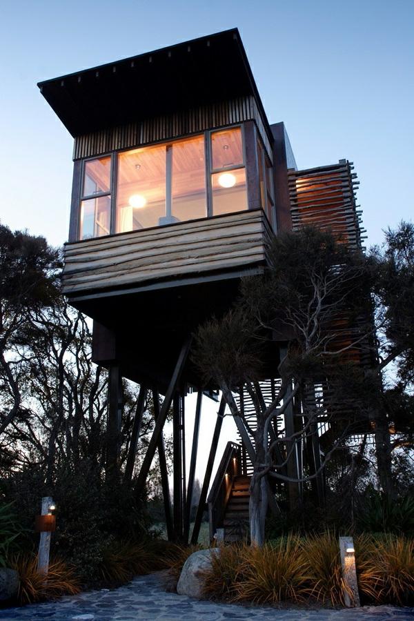 Construction cabane dans les arbres construction rapide for Architecture fantastique