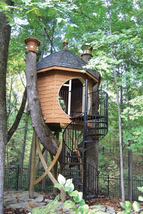 cabanes-dans-les-arbres-jolie-maisonnette-dans-les-arbres