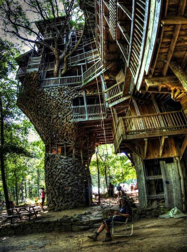 cabanes-dans-les-arbres-la-plus-grande-cabane-du-monde