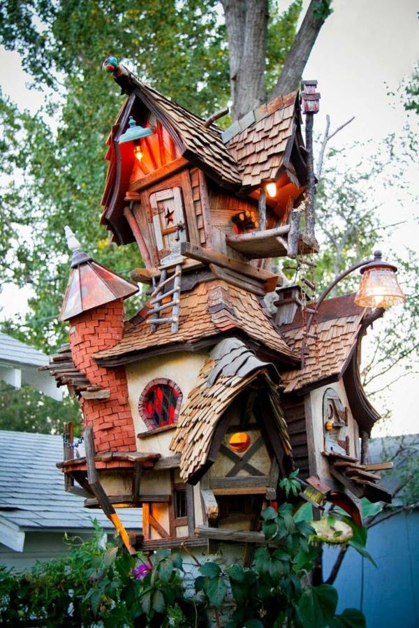 cabanes-dans-les-arbres-maison-de-sorcière