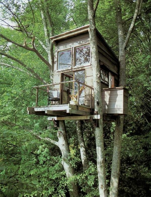 cabanes-dans-les-arbres-refuge-dans-la-forêt