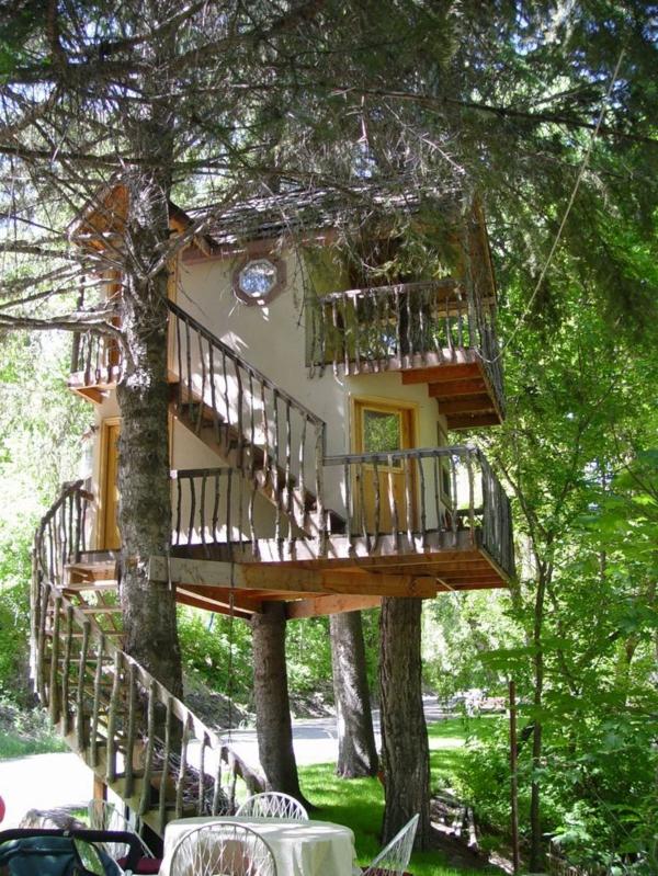 cabanes-dans-les-arbres-un-café