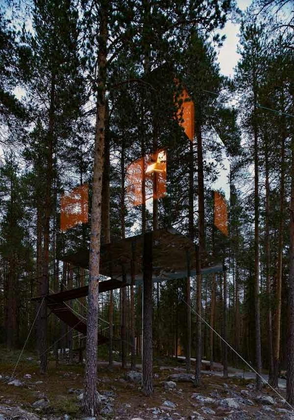 cabanes-dans-les-arbres-une-maison-fantôme