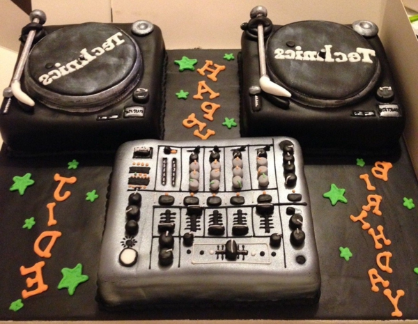 cadeau-original-le-gâteau-de-anniversaire-thematique-musique