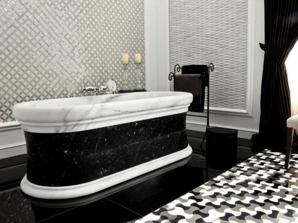 carrelage-mosaique-baignoire-luxueuse-en-marbre