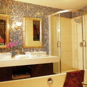 Le carrelage mosaique pour la déco de la salle de bains