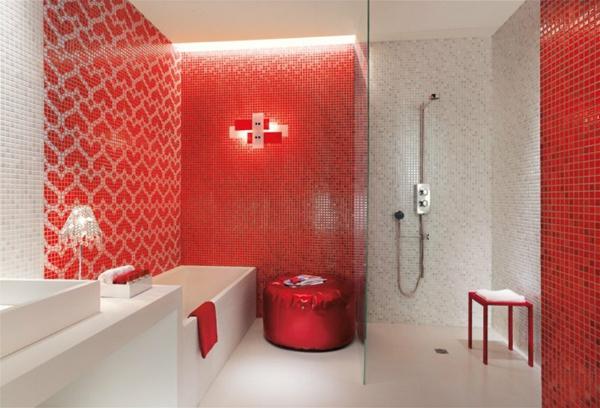 Le carrelage mosaique pour la d co de la salle de bains for Faience rouge salle de bain