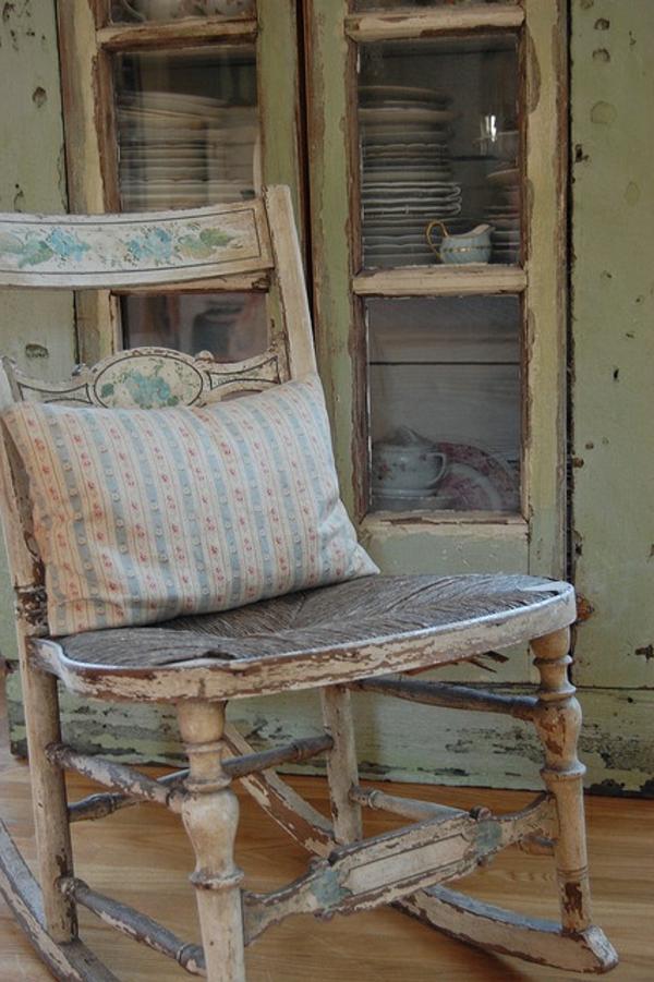 chaise-à-bascule-ancien