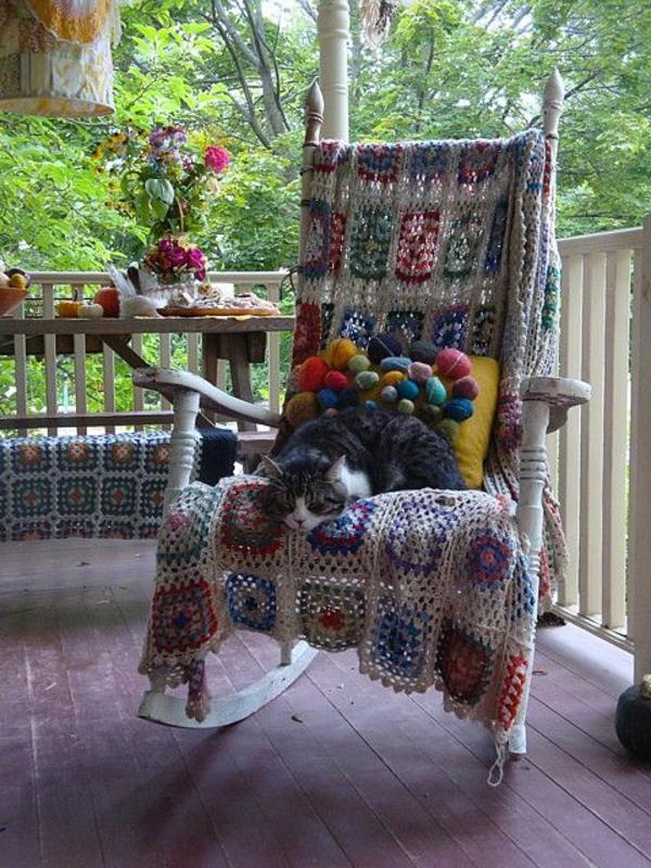 chaise-à-bascule-confortable-