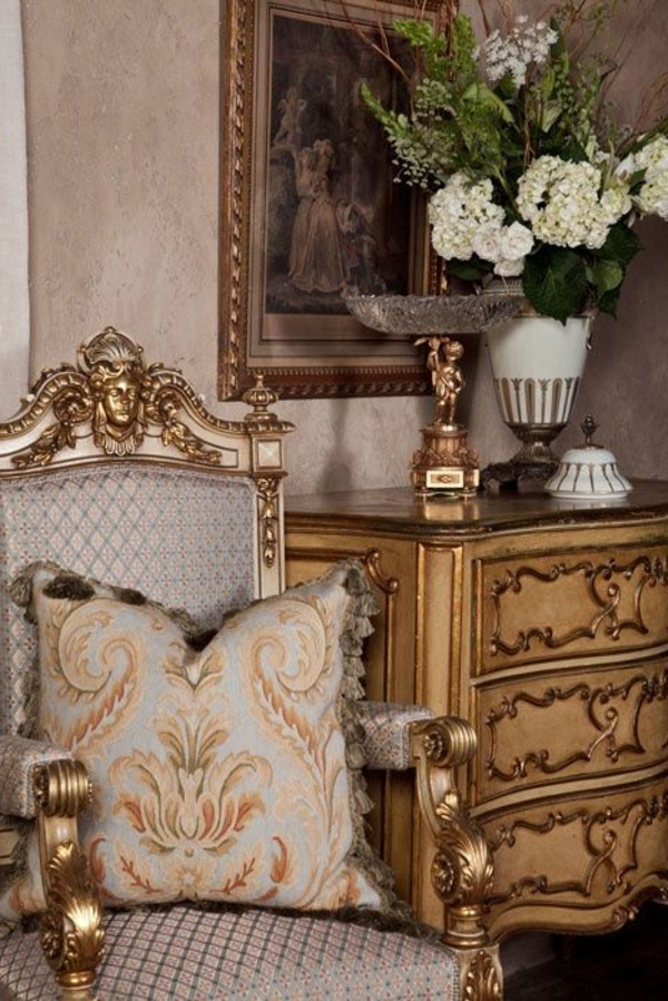 chaise-baroque-style