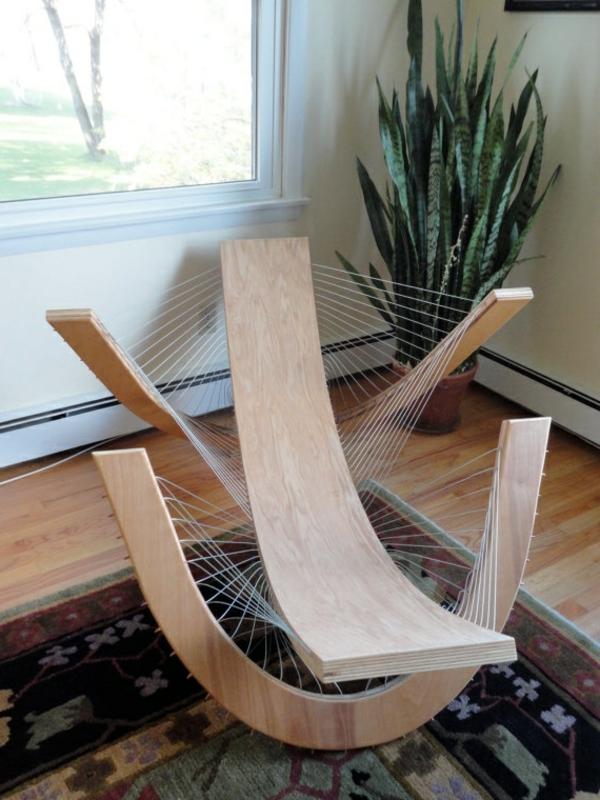 chaise-berçante-en-bois-extraordinaire