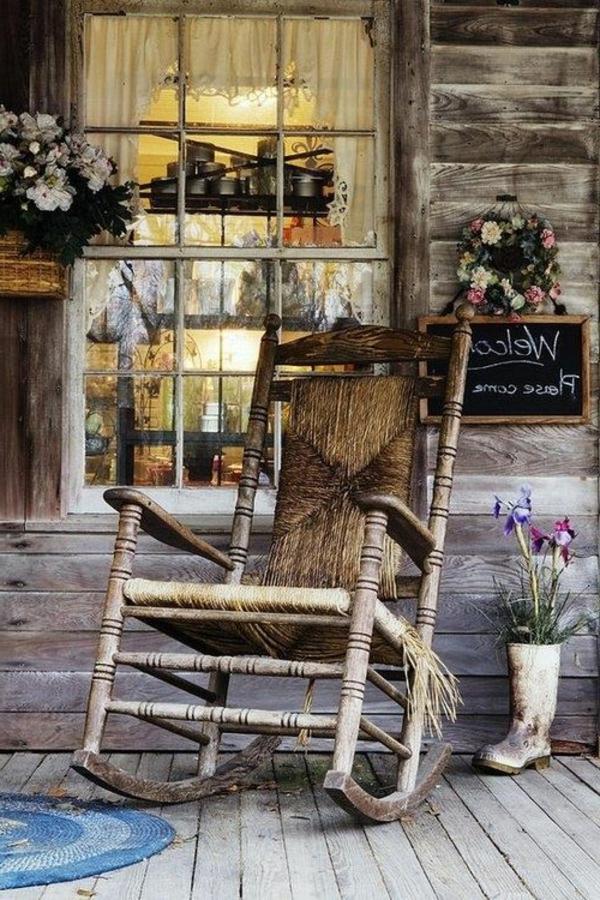 chaise-berçante-en-bois-véranda
