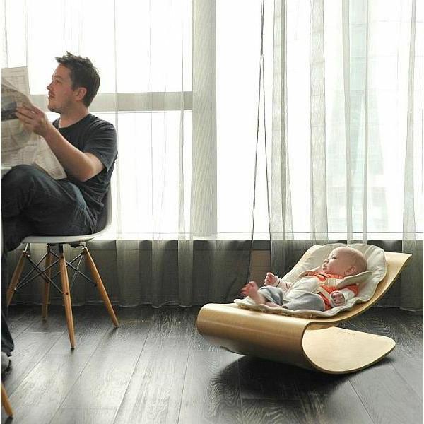 chaise-berçante-pour-bébé