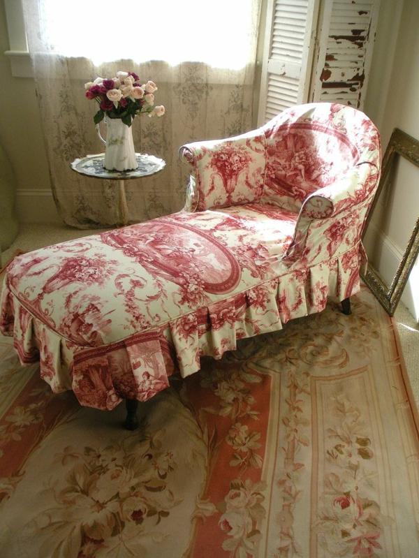 chaise-en-rose-blanc