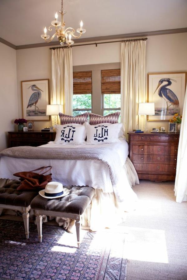 chambre-a-coucher-avec-des-rideaux