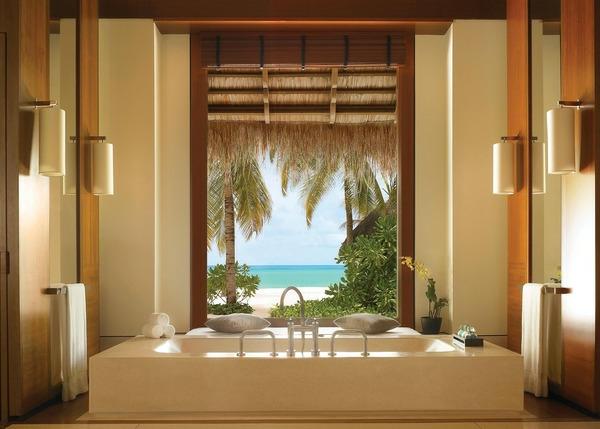 chambre-d'hôtel-avec-jacuzzi-aux-Maldives