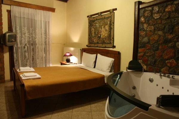 chambre-d'hôtel-avec-jacuzzi-baignoire-hydromassante