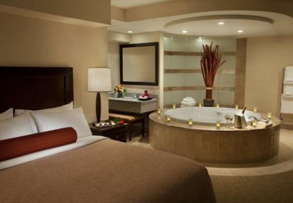 chambre-d'hôtel-avec-jacuzzi-chambre-à-coucher-luxueuse