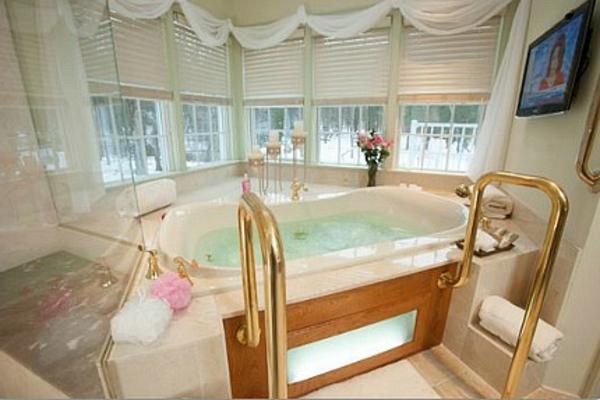 chambre-d'hôtel-avec-jacuzzi-chambres-spa