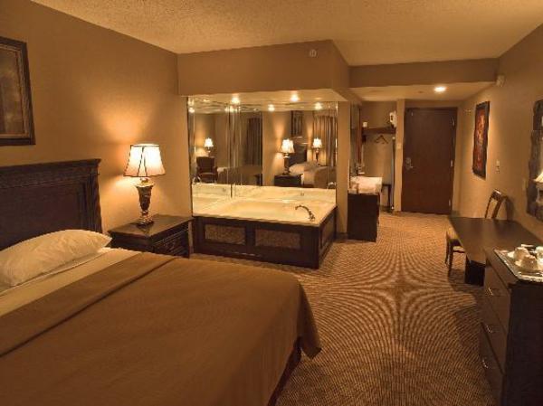 Photo Chambre Hotel Luxueux : Chambre d hôtel avec jaccuzi intérieurs inspirants et