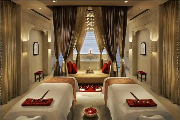 chambre-d'hôtel-avec-jacuzzi-intérieur-oriental