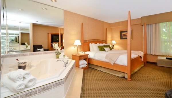 chambre-d'hôtel-avec-jacuzzi-intérieurs-d'hôtels