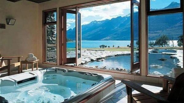 chambre-d'hôtel-avec-jacuzzi-vue-fantastique