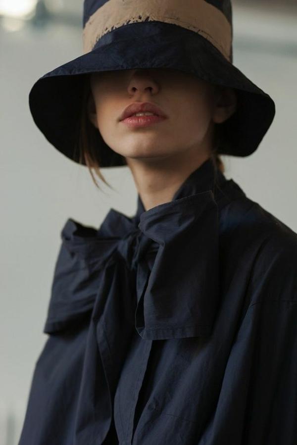 chapeau-en-feutre-noir-femme-fatale