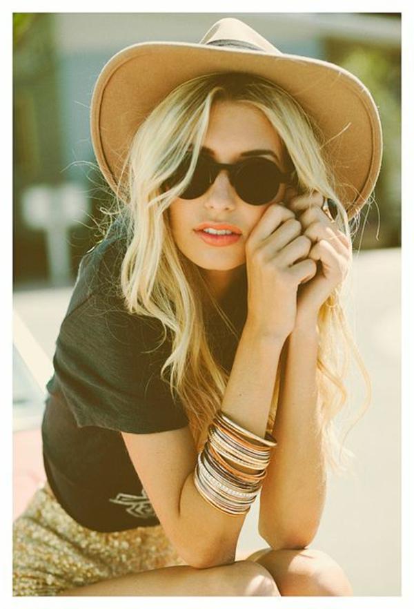 chapeau-feutre-femme-blonde