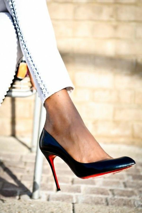 chaussures-à-talon-élégantes-noirs.-pantalon