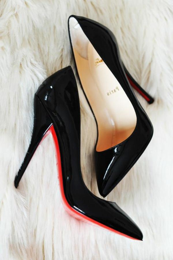 chaussures-à-talon-élégantes-noirs