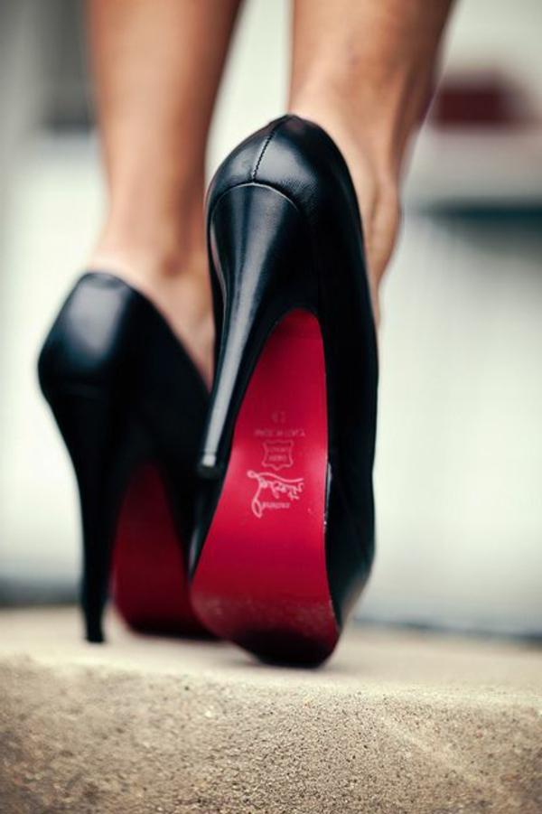 chaussures-à-talon-femme-marcher