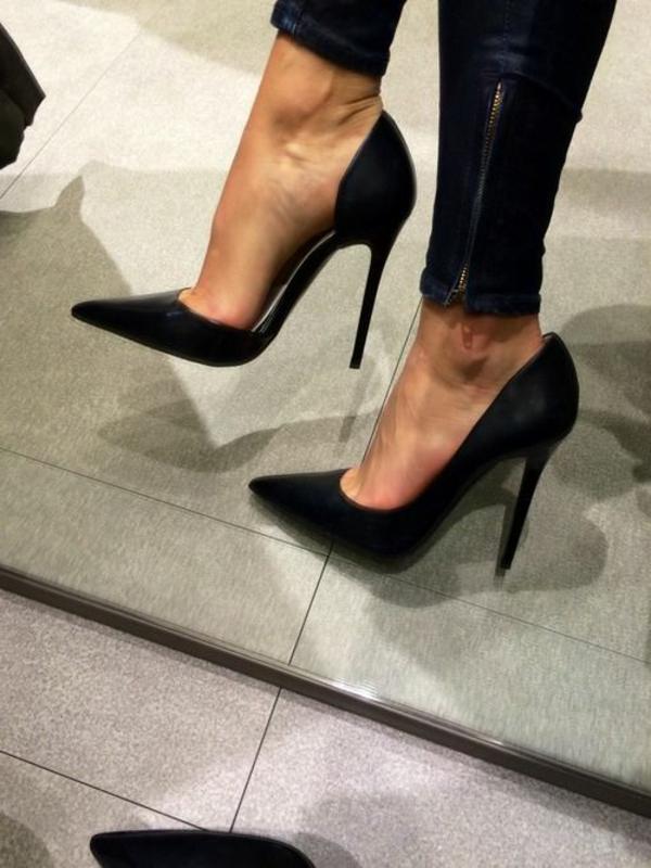 chaussures-à-talon-haut-noir-denim
