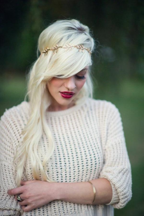 cheveux-brun-couronne-fleurs.-doré