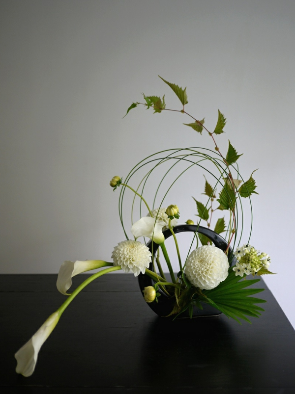 composition florale paques idees deco accueil design et mobilier. Black Bedroom Furniture Sets. Home Design Ideas