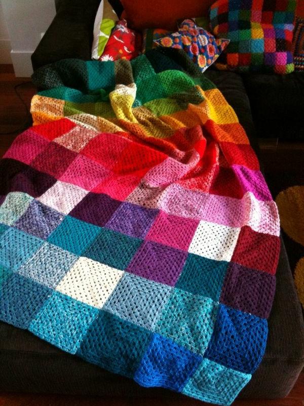 couverture-au-crochet-colorée