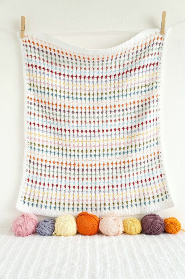 couverture-au-crochet-mur