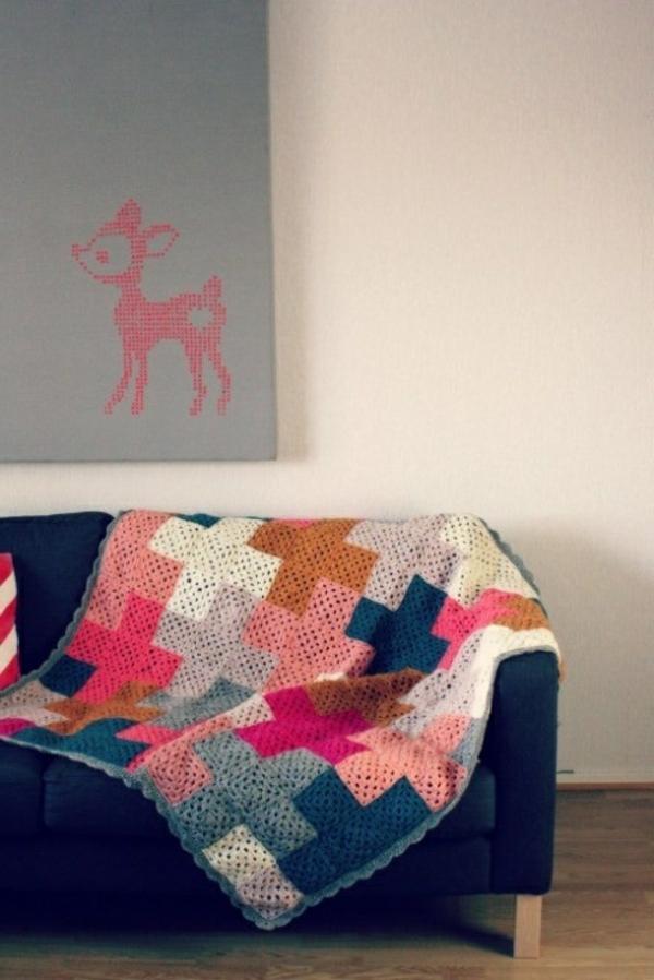 La couverture au crochet pour votre ancien canap for Couverture pour canape