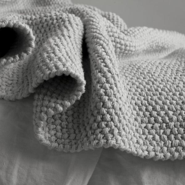 couverture-pour-lit-gris