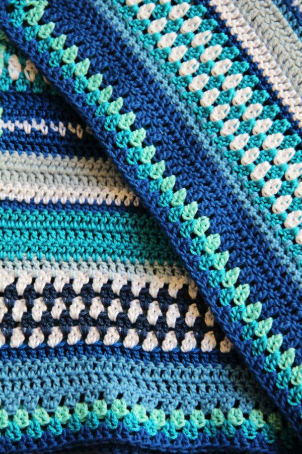 couverture-tricoté-bleu