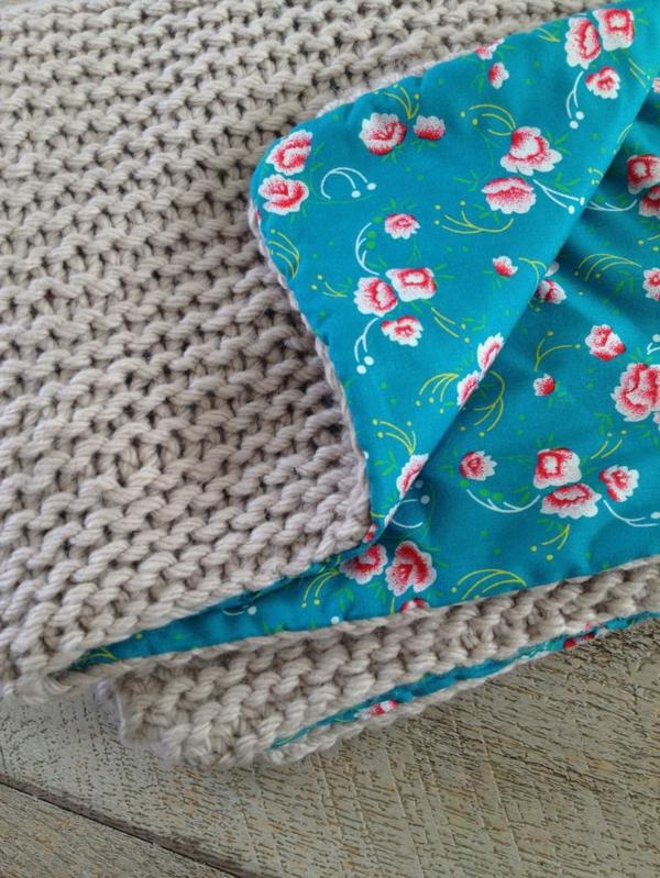 couverture-tricoté-gris