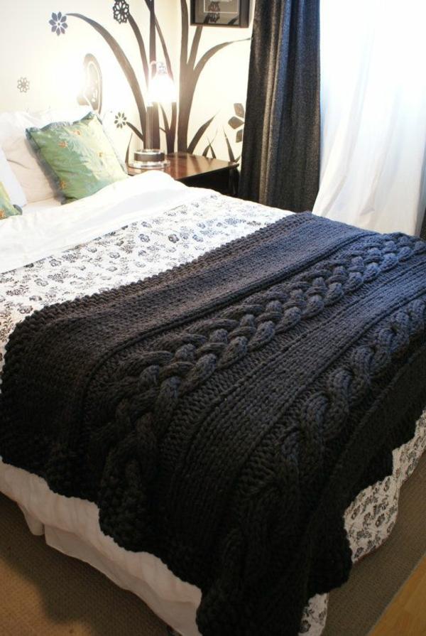 couverture-tricotée-noir